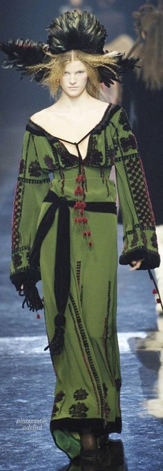 Jean Paul Gaultier, Autumn/Winter 2005, Couture with <3 from JDzigner www.jdzigner.com