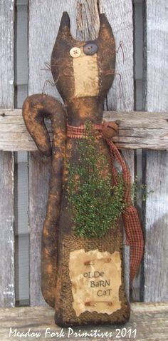 Very Rustic, Primitive Barn Cat With Button Eyes Primitive Doll Patterns, Primitive Stitchery, Primitive Fall, Primitive Folk Art, Primitive Crafts, Primitive Christmas, Primitive Country, Cat Crafts, Doll Crafts