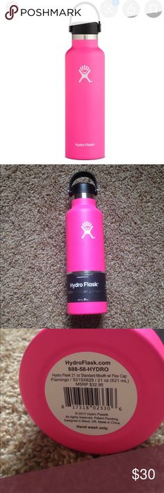 Brand New- 21 oz Hydro Flask in flamingo neon pink Hydro Flask, Coffee And Tea Accessories, Pink Flamingos, Pink Color, Beverage, Congratulations, Container, 21st, Neon
