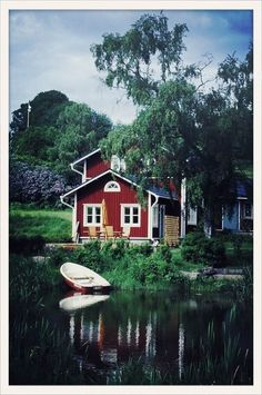 A day at the lake? Jumping The Broom Movie, Beautiful Homes, Beautiful Places, Simply Beautiful, Thing 1, Swedish House, Picnic Time, Cabins And Cottages, Peaceful Places