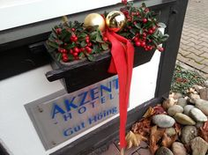 Besuchen Sie unser 3-Sterne Hotel zur Weihnachtzeit in Unna. Das Hotel, Christmas Wreaths, Gift Wrapping, Holiday Decor, Gifts, Home Decor, Gift Wrapping Paper, Presents, Decoration Home