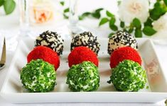 Snack-balls of goat cheese with spices. Party Finger Foods, Party Snacks, Top Salad Recipe, Cheese Ball Recipes, Food Garnishes, Cold Meals, Antipasto, Food Presentation, Food Photo