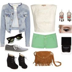 simple outfit with dramatic eye makeup. keds for a bonfire or heels for a party