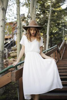 I love how airy and the way the fabric looks on this dress!