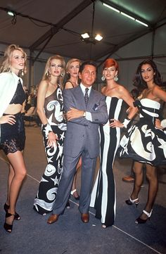 Valentino S/S 1992. Valentino, Claudia Schiffer, Karen Mulder, Linda Evangelista & Yasmeen Ghauri.