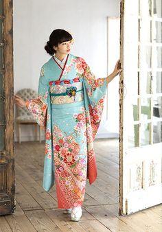 (c)Kyoto kimono yuzen Traditioneller Kimono, Kimono Outfit, Kimono Fashion, India Fashion, Asian Fashion, Traditional Japanese Kimono, Traditional Fashion, Traditional Dresses, Japanese Outfits