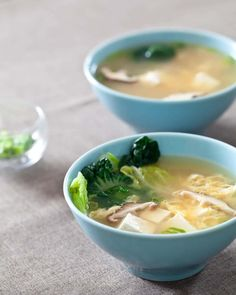 Tofu and Mushroom Miso Soup ~ https://steamykitchen.com