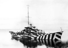 """Governments Actually Used Zebra Stripes To """"Camouflage"""" War Ships From Enemies World War One, First World, British Marine, Dazzle Camouflage, Military Camouflage, Razzle Dazzle, Royal Navy, Battleship, Images"""