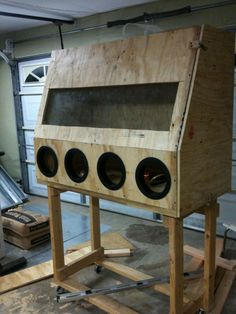 Building a homemade sandblasting cabinet without sandblasting cabinet plans can be fun. This is how you can build your own DIY media blasting cabinet. Sandblasting Cabinet, Soda Blasting, Diy Forge, Lumber Storage Rack, Woodworking Projects, Diy Projects, New Project Ideas, Box Building, Cabinet Plans