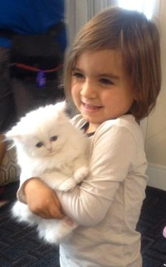 What do you get when you combine Kourtney Kardashian's oldest child, Mason Disick, and the cutest kitten who's ever walked the Earth -- Kim&. Mason Disick, Kardashian Family, Kourtney Kardashian, Kardashian Beauty, Kardashian Photos, Kardashian Style, Kardashian Jenner, Lord Disick, Celebrity Kids