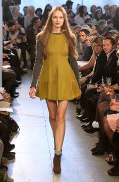catwalk fashion designers - Google Search Catwalk Fashion, High Fashion, Womens Fashion, America's Next Top Model, Daily Walk, Fashion Designers, Front Row, Google Search, Tops