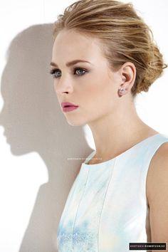 Britt Robertson simple makeup look