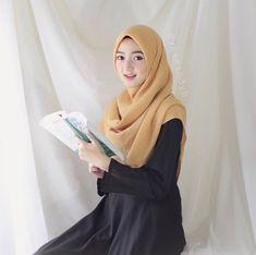 Hijabi Girl, Girl Hijab, Hijab Outfit, Beautiful Muslim Women, Beautiful Hijab, Niqab Fashion, Fashion Outfits, Hijab Teen, Beautiful Bridal Makeup