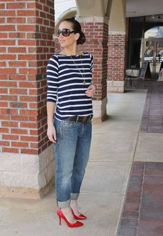 boyfriend jeans, stripes, red pumps, how to style boyfriend jeans, thirtysomethingfashion