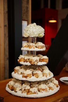 cinnamon bun wedding cake recipe cinnamon roll wedding cake roll cakes 12870