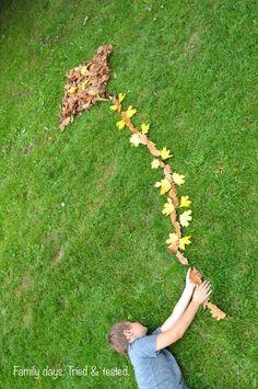 Plezier met herfstbladeren en een fotocamera