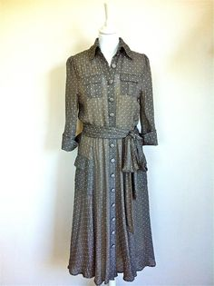 Diane Von Furstenberg Grey Silk Polka Dot Dress Size 38 via The Queen Bee. Click on the image to see more!