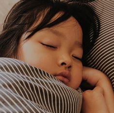 Cute Asian Babies, Korean Babies, Asian Kids, Cute Babies, Jikook, Baby Girl Quotes, My Baby Girl, Cute Baby Girl Pictures, Baby Photos