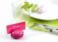 #bonplan -20% Macaron marque place fuchsia http://www.baiskadreams.com/1801-macaron-porte-nom-couleurs-festives-5-cm-les-2.html… #wedding #mariage #Baptême #bridalparty