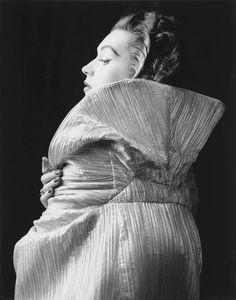 Dovima photographed by Milton Greene, 1956.