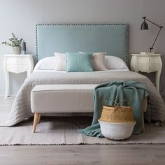 37 New Step by Step Roadmap for Guest Bedroom Ideas + Design Plans - bucurieacasa Shabby Chic Bedrooms, Shabby Chic Homes, Guest Bedrooms, Master Bedroom, Home Decor Bedroom, Living Room Decor, Bedroom Ideas, Grey Headboard, Beautiful Bedrooms