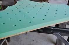 Made: Diamond Tufted Headboard - Living with Punks Furniture Projects, Furniture Makeover, Home Projects, Diy Furniture, Pallet Projects, Furniture Design, Make Your Own Headboard, Tufted Headboards, Diy Headboards