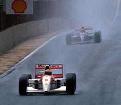 Ayrton Senna leads Damon Hill during the 1993 Brazilian Grand Prix