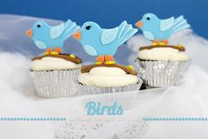 Blue bird cupcake Shops, Sweet Cupcakes, Blue Bird, Cake Pops, Cookies, Desserts, Food, Decorating, Crack Crackers
