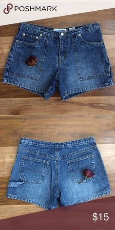 High Waisted Denim Shorts 🌹5 pockets  🌹Covers your bottom  🌹fits size 26 (tag says 3) ⚡️Fast Shipper!! Shorts Jean Shorts