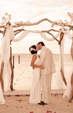 www.dellanosdegue.com   World Wide Destination Wedding Photography  Islamorada, Florida Keys