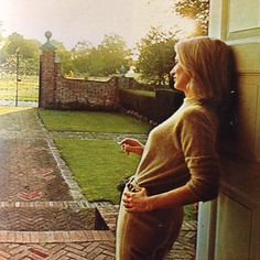 #LeeRadziwill photographed by Douglas Kirkland for #LifeMagazine In the early 70's @leeradziwill