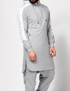 Oversized Hoodie Jubba Kurta Short Kameez Quality Jogging Material High Quality finish Side pockets and laces hood Long Sleeves Islamic Clothing for Men Indian Men Fashion, Mens Fashion Suits, Islamic Fashion, Muslim Fashion, Urban Fashion, Men's Fashion, Fitness Fashion, Pantalon Thai, Drop Crotch Jeans
