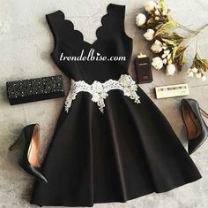 Trendelbise.com sayesinde Beyaz Kuşaklı Elbise - Siyah elbiseyi hemen alın.