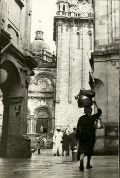 Rúa do Vilar e Praza de Praterías. Fonte: Fotos antigas de Compostela