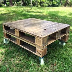 Pallet Coffee Table Design on Wheels - 20 Unique Ideas to Use the Pallets Wood | Pallet Furniture DIY - Part 2