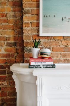 So excited to be picking up my Inspiring Spaces features again with Ana of Lucky Penny Blog. Learn more about what makes her Brooklyn house a home!