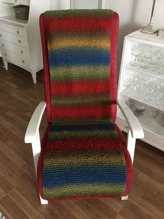 Vanha tuoli sai eloa uudesta päällisestä. #pirtinkehräämö #neulottu #ainaoikein