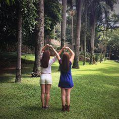 Temos que admitir:  Larissa Manoela  e  Mharessa Fernanda  estão praticamente  IGUAIS ! Ficamos tão ...