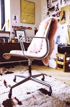 jenna-lyons-office-chair