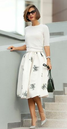 60 Charming Summer Work Outfits to be Fashionista in your Office - Outfit-Ideen - Summer Dress Outfits Flare Skirt Outfit, Full Skirt Outfit, Skater Skirt Outfits, White Skirt Outfits, Midi Skater Skirt, Skirt Outfits Modest, White Midi Skirt, Full Midi Skirt, Modest Skirts