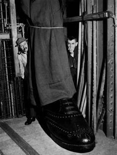 France, Theatre, Decor Setting. By Robert Doisneau. S).