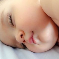 Cute Little Baby, Baby Kind, Baby Love, Cute Kids Pics, Cute Baby Girl Pictures, Cute Baby Wallpaper, Foto Baby, Baby Images, Cute Funny Babies