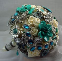 Wanna do a brooch bouquet in green and grey/silver for my bridal bouquet. I found the instructions to do it myself. Seems complicated enough
