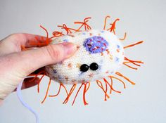 Knit your own Squeaky Bacteria (Bacillus) (pdf knitting pattern)