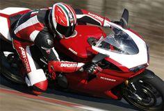 Ducati 1098R vs Desmosedici RR