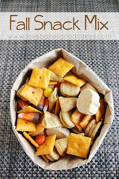Fall Snack Mix - looks yummy and an easy way to *cook* with kids!