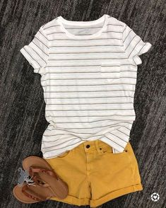 💛 Sticking with the yellow here! I think this casual look is perfect for everyday wear. The shorts are still off online with code… Short Outfits, Casual Outfits, Fashion Outfits, Womens Fashion, 80s Fashion, Korean Fashion, Vintage Fashion, Fashion Mask, Urban Outfits
