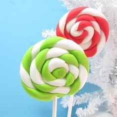 fondant lollipops from the decorated cookie - use as a decoration. I wonder if marshmallow fondant will work so they can be edible