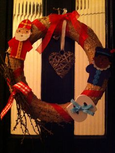 Sinterklaaskrans. Vilten poppetjes vd Action, letter vd Xenos