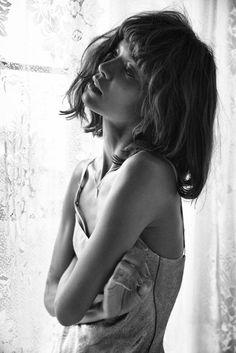 Liya Kebede by Yelena Yemchuk for Vogue Italia January 2014 Liya Kebede, Art Photography Portrait, Urban Photography, People Photography, Portrait Photo, Fashion Photography, Img Models, Glitter Fashion, Monochrome Fashion